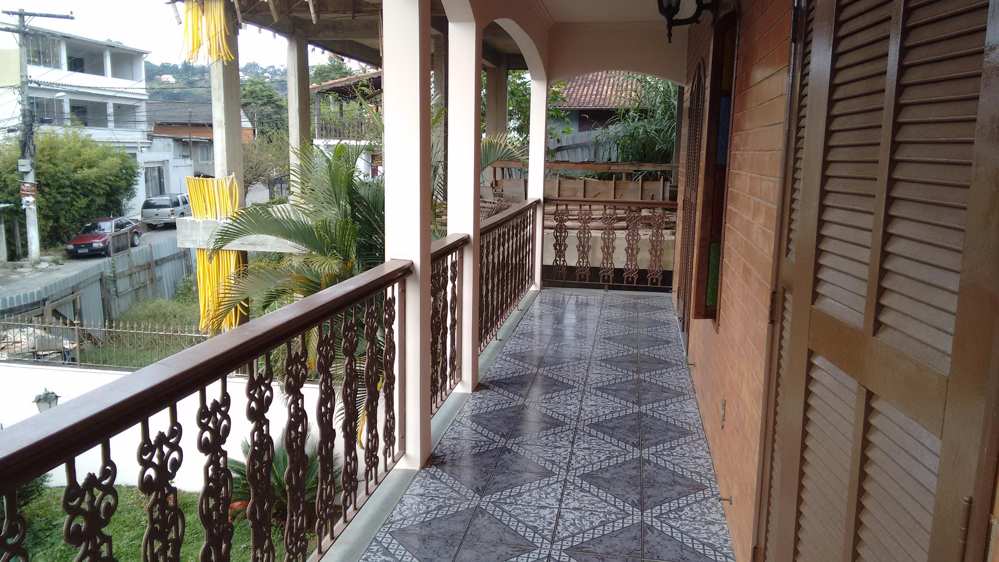 Casa Ampla com espaço para confecção